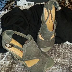 Wedge heel buckle sandals